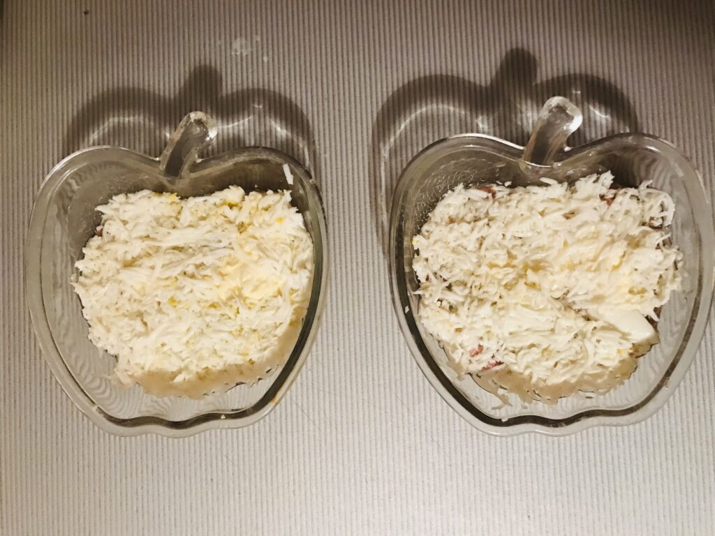 Фото рецепта - Салат «Мимоза» с тунцом - шаг 3
