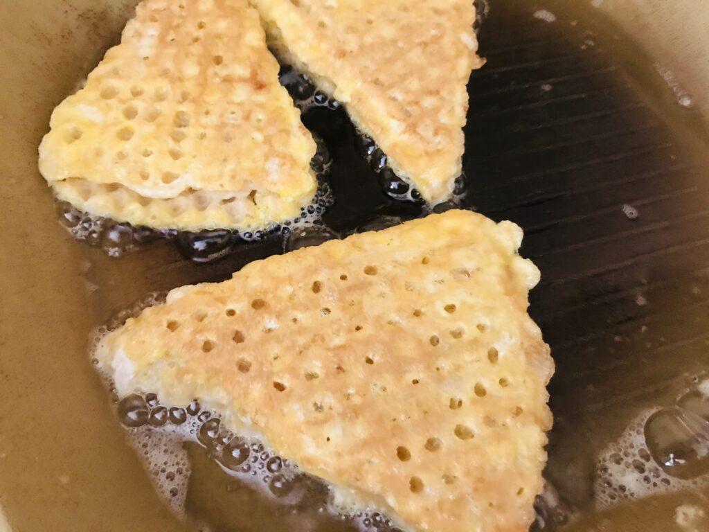 Фото рецепта - Вафельные треугольники с фаршем индейки - шаг 6