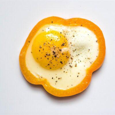 Яичница в перце - рецепт с фото