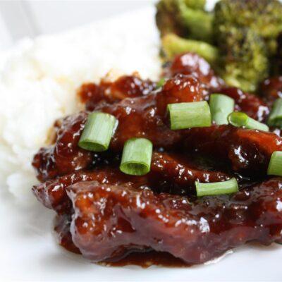 Маринованная говядина, жаренная с чесноком и имбирём - рецепт с фото