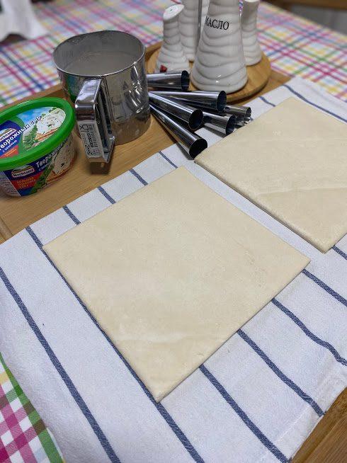 Фото рецепта - Трубочки с начинкой из креветок - шаг 2