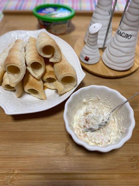 Фото рецепта - Трубочки с начинкой из креветок - шаг 12