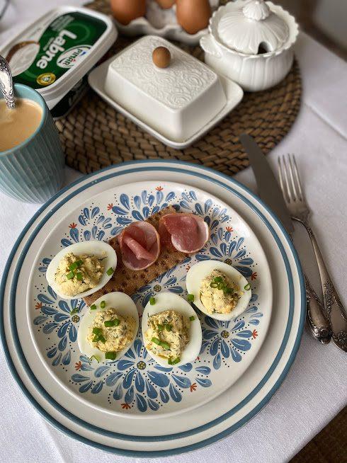 Фаршированные яйца