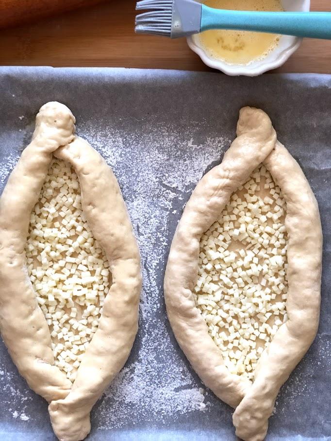 Фото рецепта - Хачапури по-аджарски - шаг 17