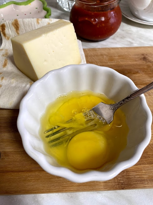 Фото рецепта - Рваный омлет в лаваше - шаг 2