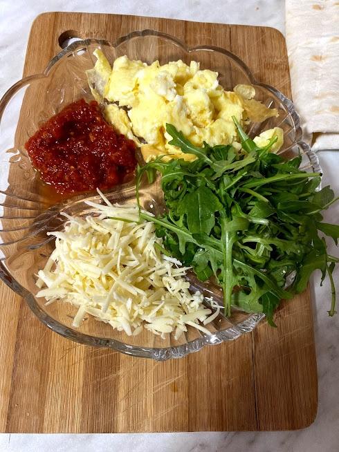 Фото рецепта - Рваный омлет в лаваше - шаг 7