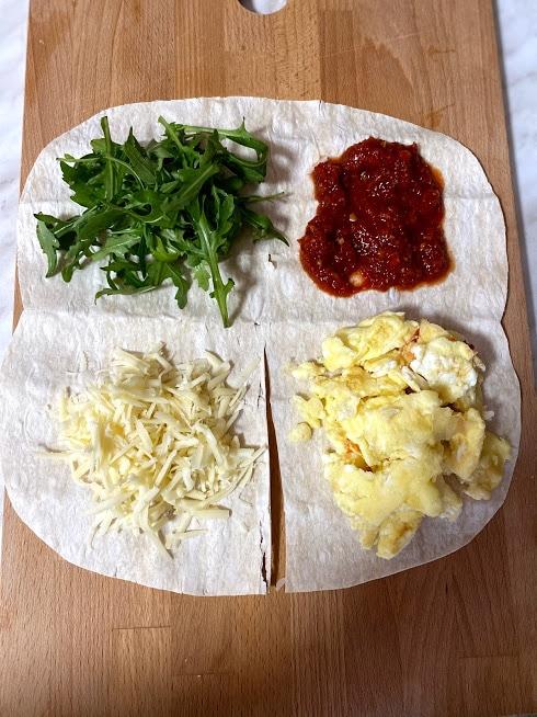 Фото рецепта - Рваный омлет в лаваше - шаг 9