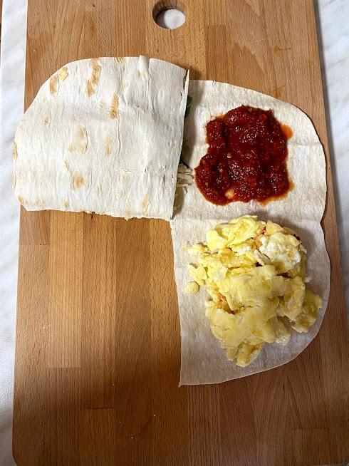 Фото рецепта - Рваный омлет в лаваше - шаг 10
