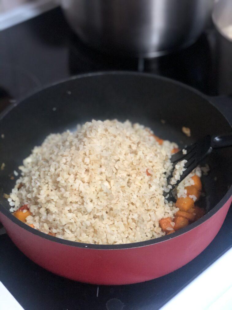 Фото рецепта - Каша из булгура с тыквой - шаг 10