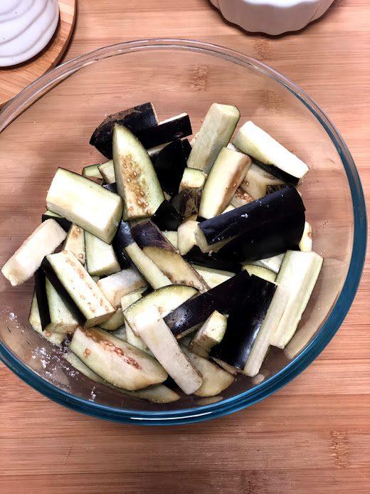 Фото рецепта - Запеченные баклажаны в соевом соусе - шаг 3