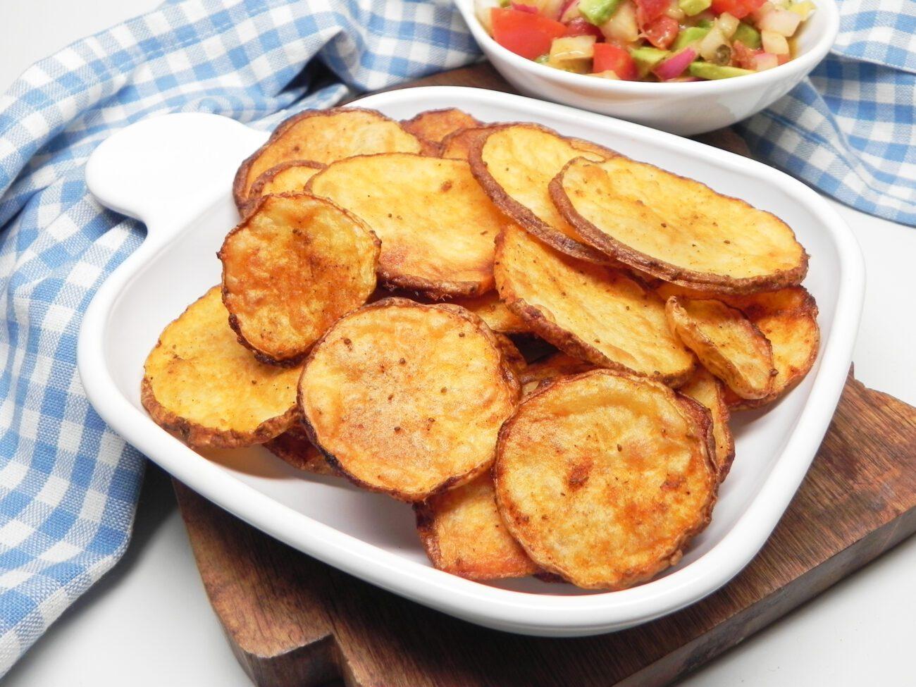 Ломтики картофеля, запеченного в духовке