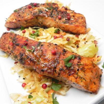 Запеченный лосось в специях - рецепт с фото