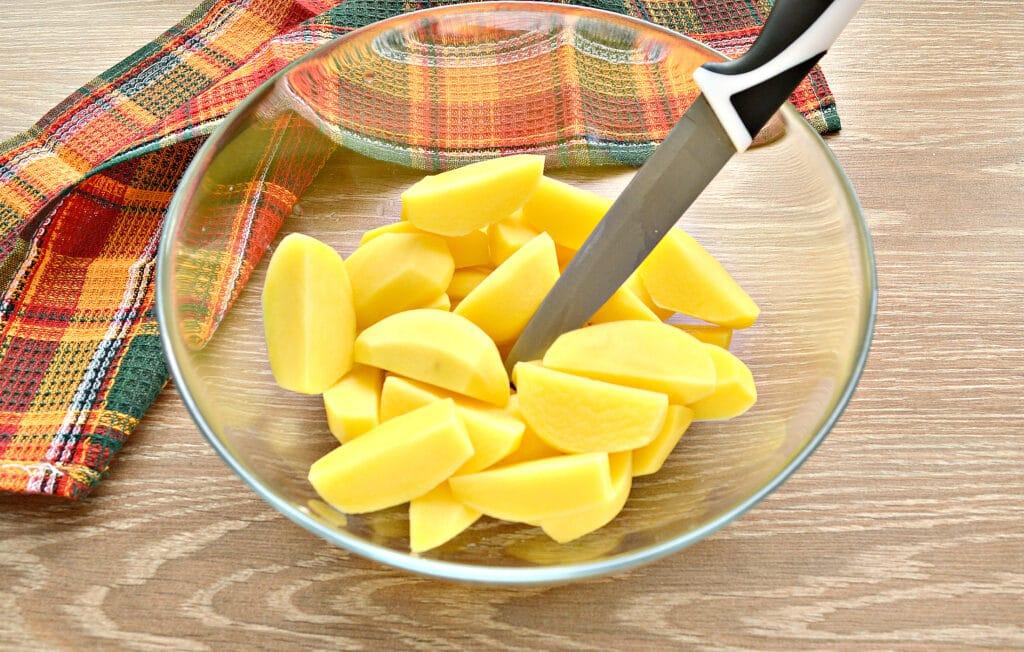 Фото рецепта - Картофель по-селянски со сметаной в мультиварке - шаг 1