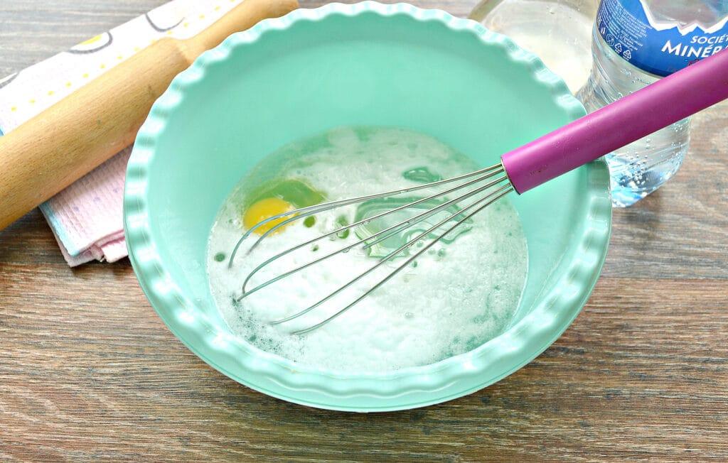 Фото рецепта - Супер тесто для пельменей на минеральной воде - шаг 2