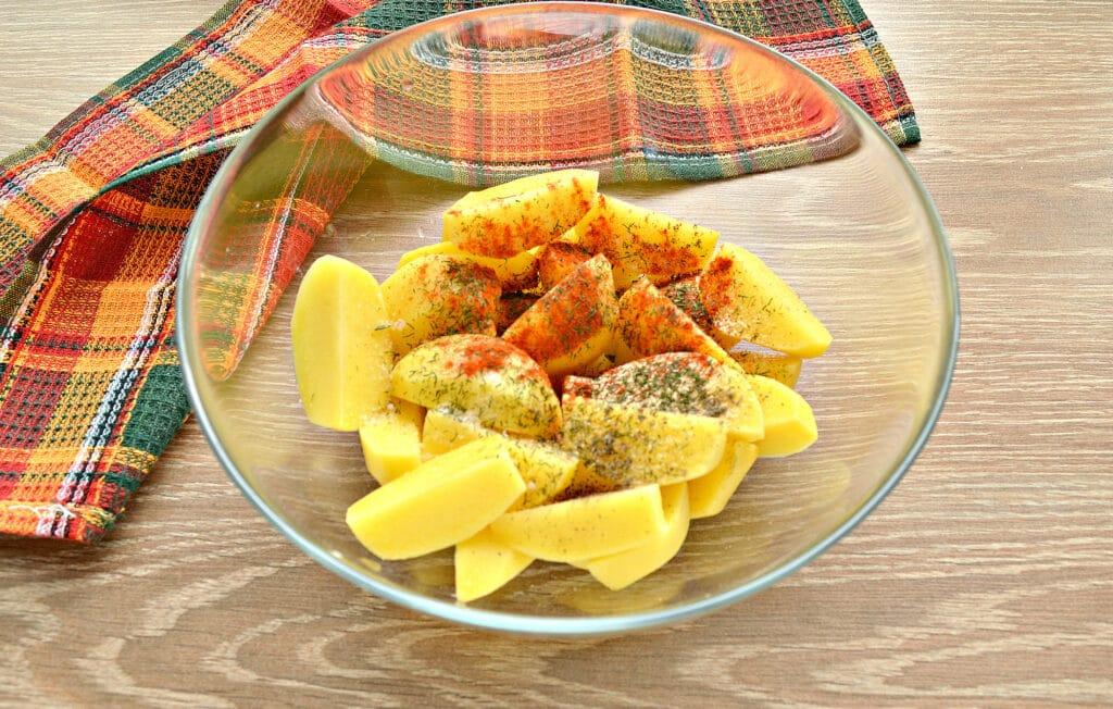 Фото рецепта - Картофель по-селянски со сметаной в мультиварке - шаг 2
