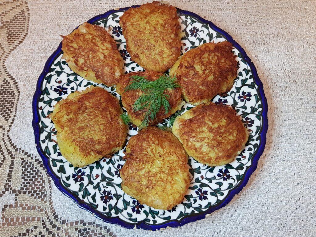Фото рецепта - Минтай в картофельной панировке (котлеты) - шаг 6