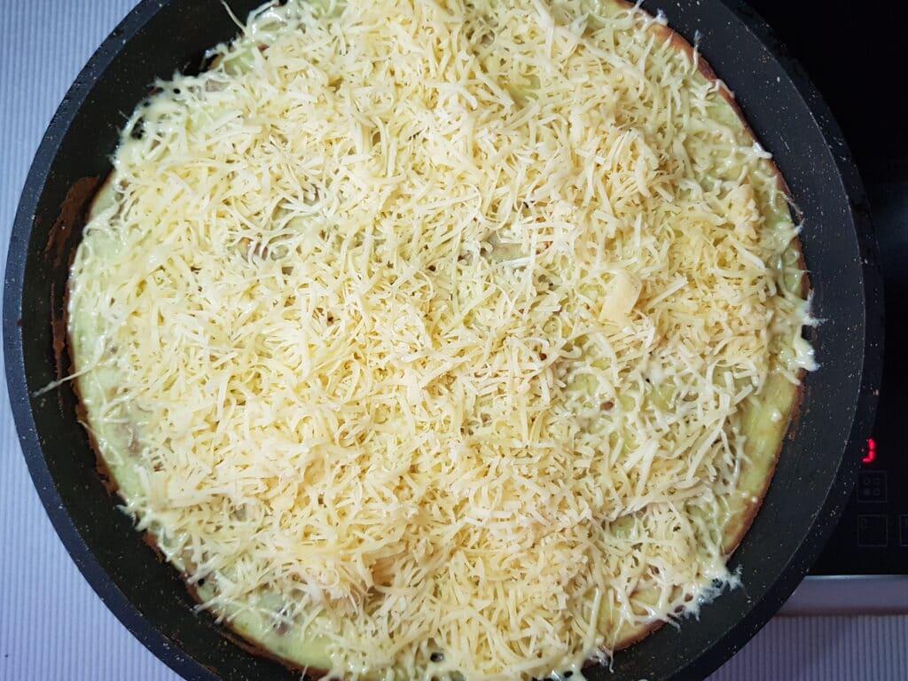 Фото рецепта - Запеканка из картофельного пюре и фарша - шаг 8
