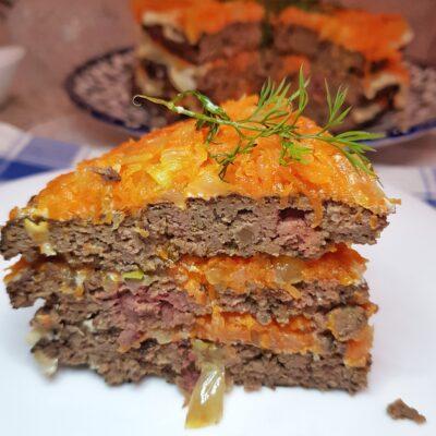 Печёночный торт с морковью и луком - рецепт с фото