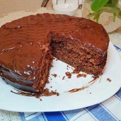 Шоколадный пирог с ганашем на сливках - рецепт с фото