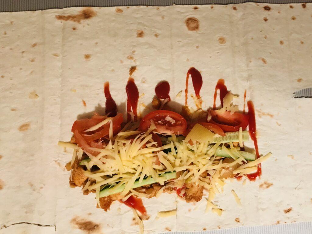 Фото рецепта - Донер с курицей и копченой паприкой - шаг 6