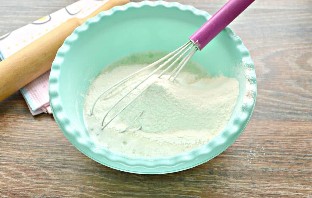 Фото рецепта - Супер тесто для пельменей на минеральной воде - шаг 4