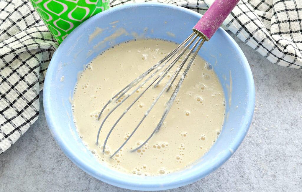 Фото рецепта - Блинчики на кислом кефире и кипятке - шаг 4