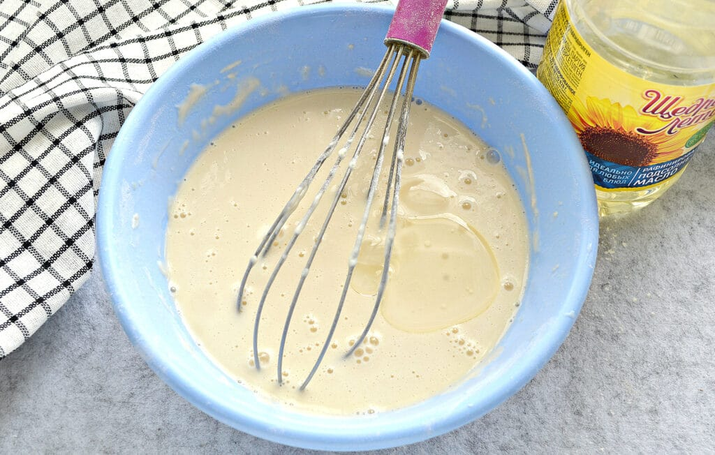 Фото рецепта - Блинчики на кислом кефире и кипятке - шаг 5