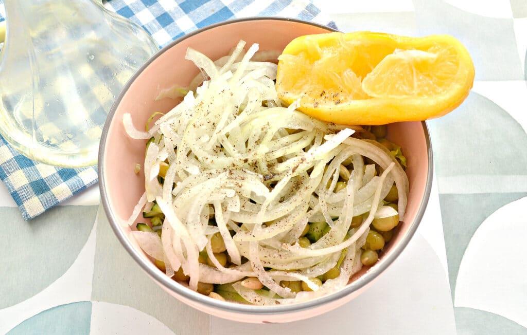 Фото рецепта - Овощной салат к шашлыку и мясным блюдам - шаг 6