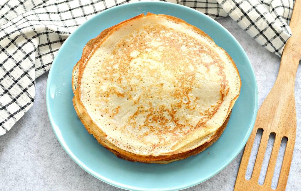 Фото рецепта - Блинчики на кислом кефире и кипятке - шаг 6