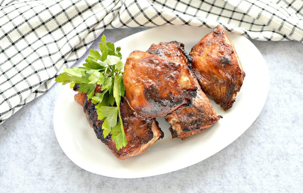 Фото рецепта - Куриные бедра в сковороде гриль-газ - шаг 6