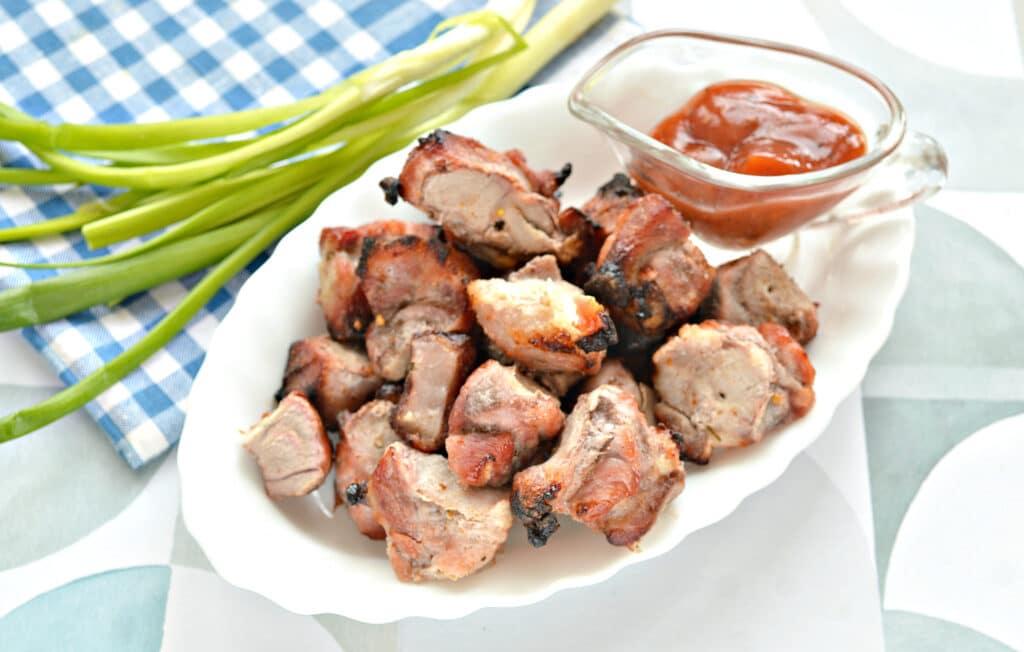 Фото рецепта - Шашлык из свинины в духовке на кефире - шаг 7