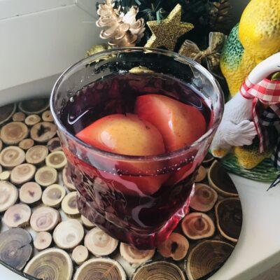 Компот из ежемалины, смородины и яблок - рецепт с фото