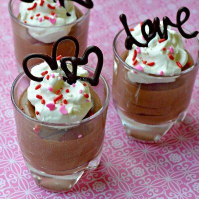 Шоколадный мусс со сливками - рецепт с фото