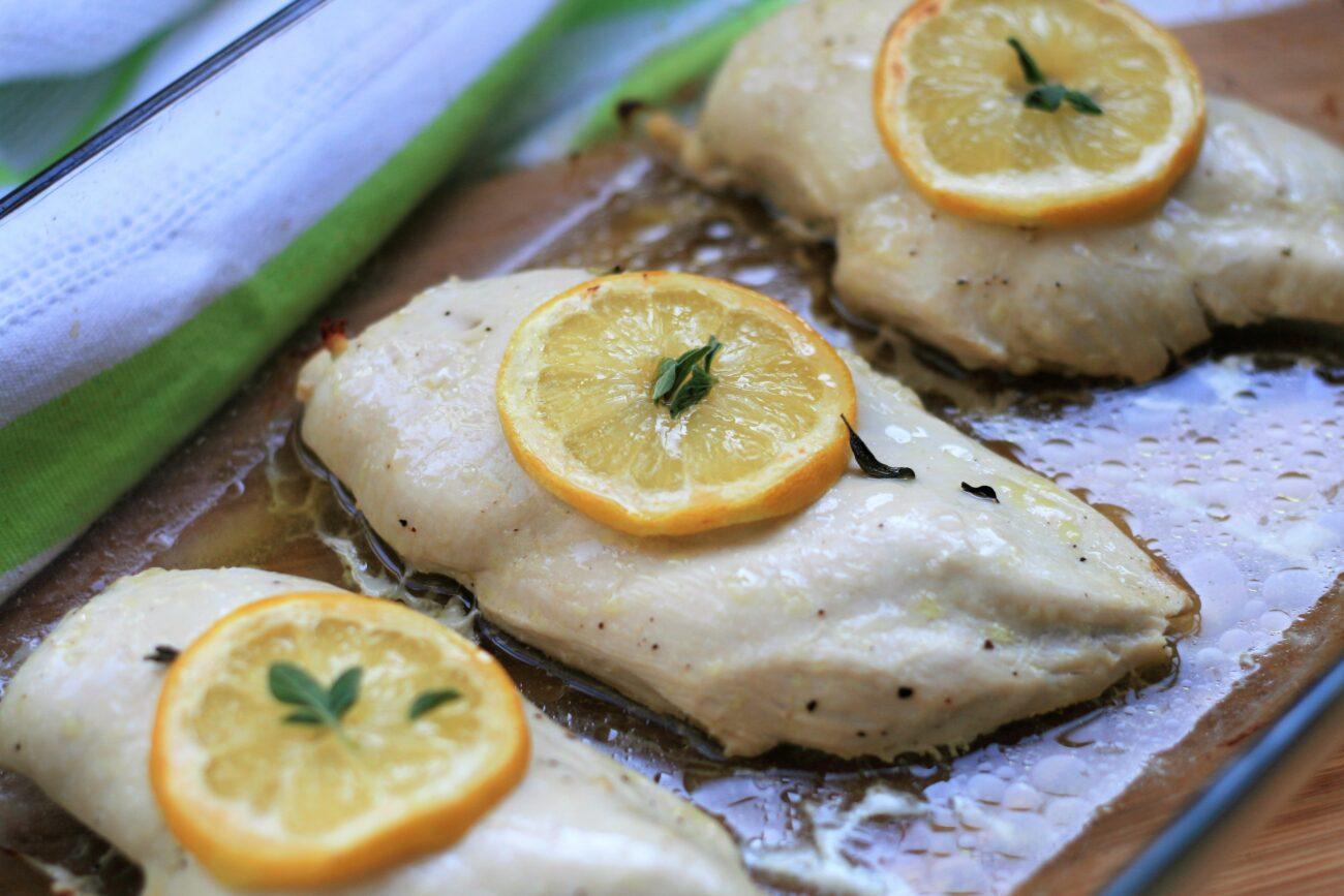 Запеченные куриные грудки в сырном маринаде