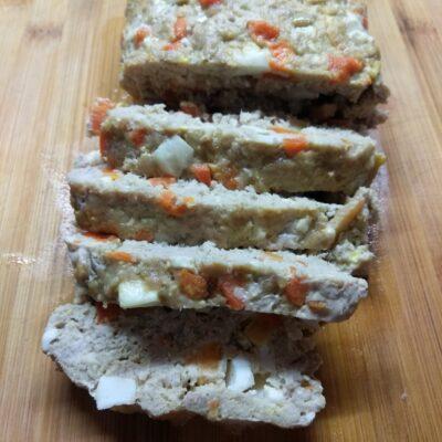 Мясной хлебец с морковью и яйцом - рецепт с фото
