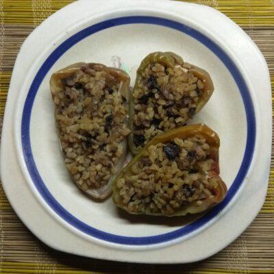 Перец, фаршированный булгуром и шампиньонами - рецепт с фото