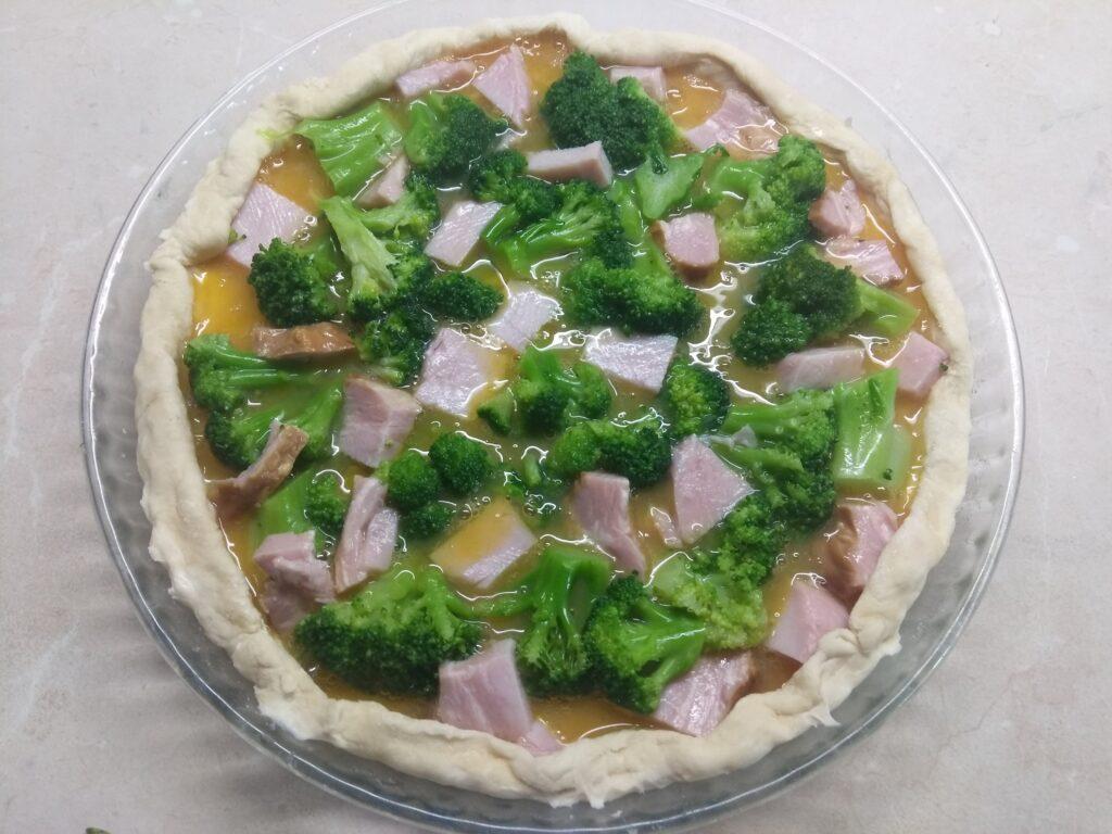 Фото рецепта - Открытый пирог с балыком и брокколи - шаг 4