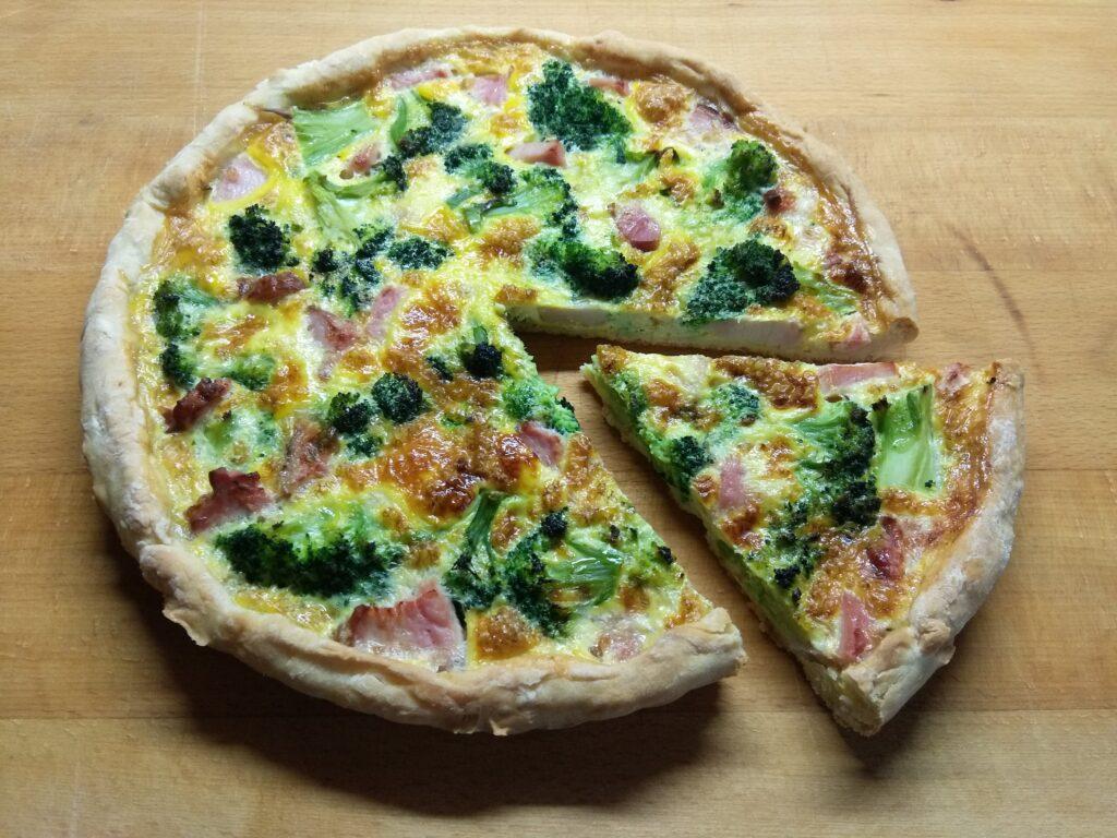 Фото рецепта - Открытый пирог с балыком и брокколи - шаг 5