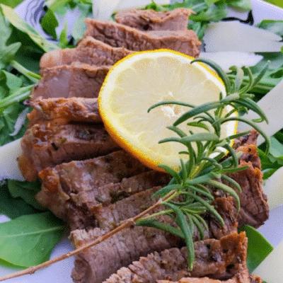 Запеченная в духовке говядина (стейк) - рецепт с фото
