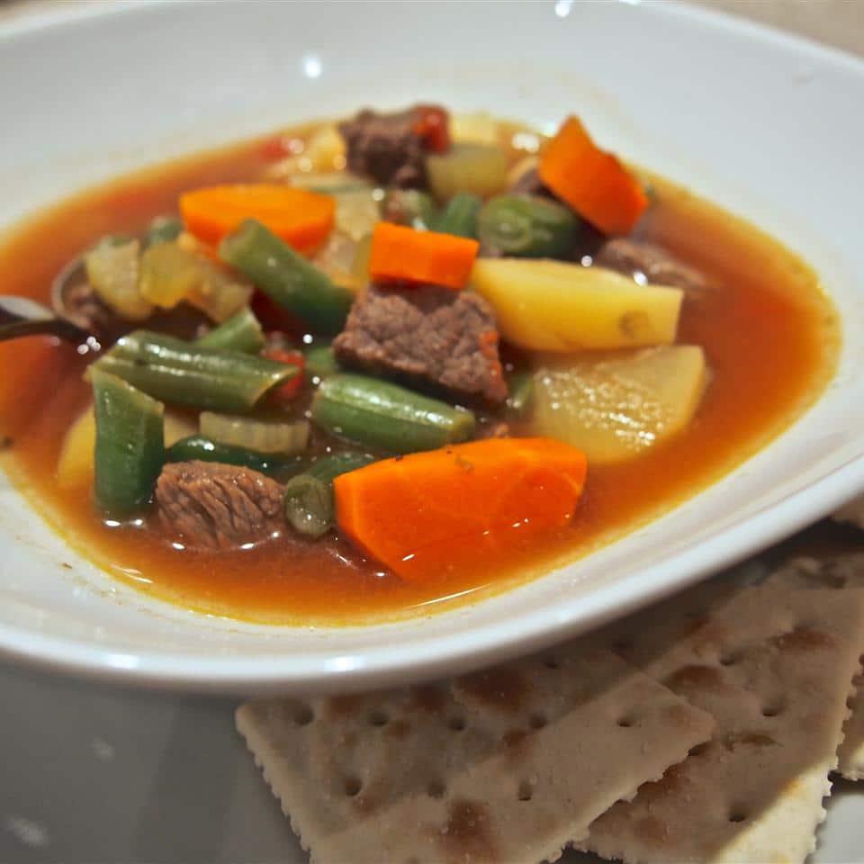 Овощной говяжий суп по-голландски
