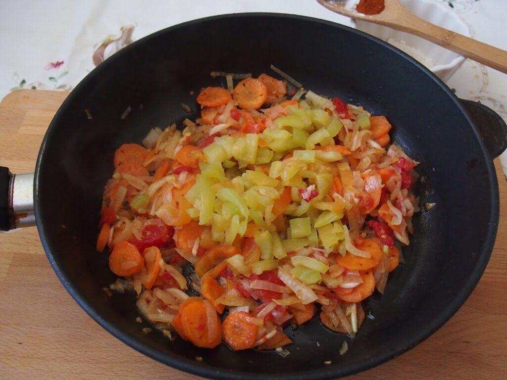 Фото рецепта - Гуляш по-венгерски - шаг 11