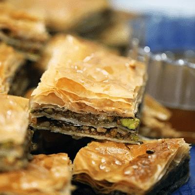 Медовая пахлава с орехами - рецепт с фото