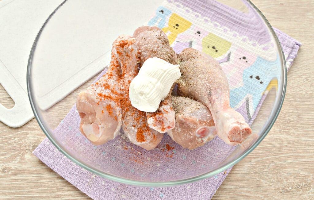 Фото рецепта - Куриные голени с картошкой в мультиварке - шаг 2