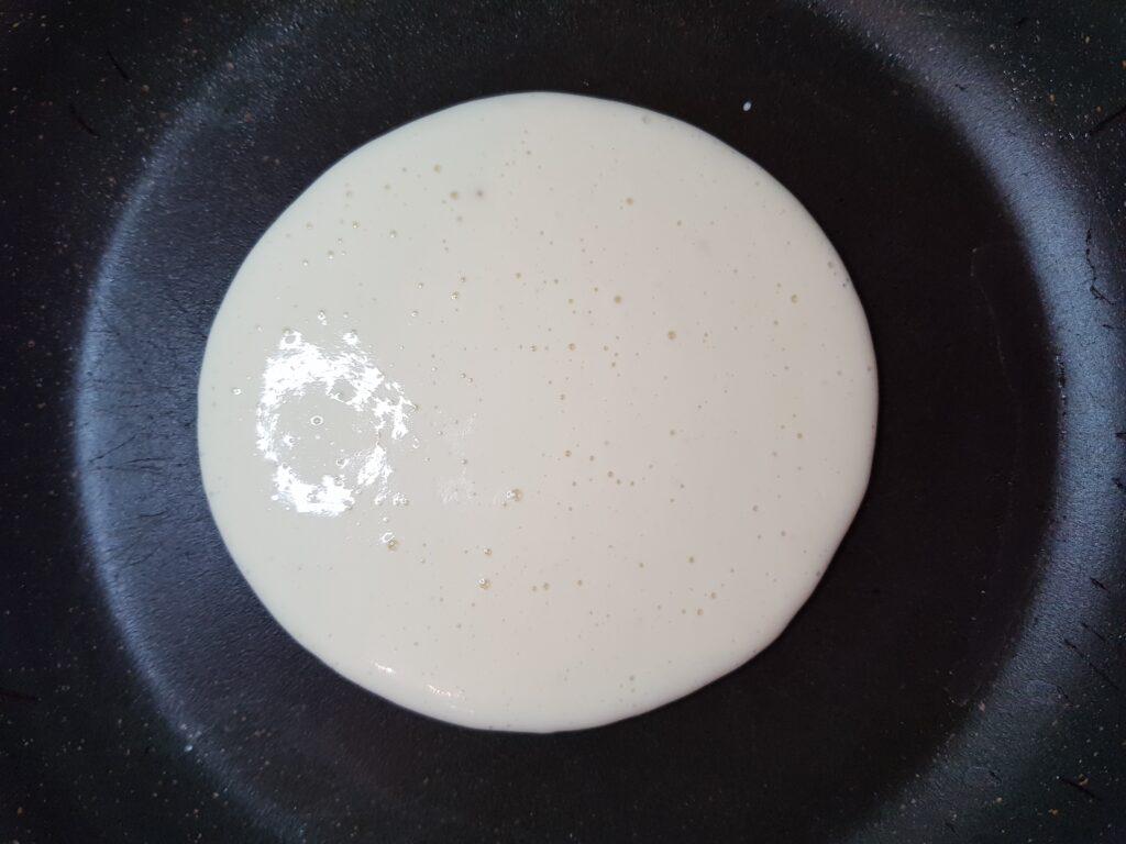 Фото рецепта - Воздушные панкейки на молоке - шаг 5