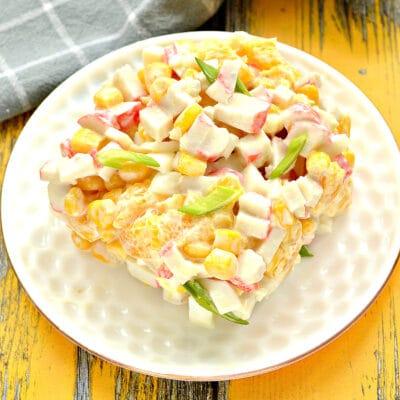 Крабовый салат с кукурузой и апельсином - рецепт с фото