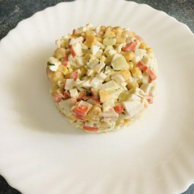 Салат «Крабовый» без огурца - рецепт с фото
