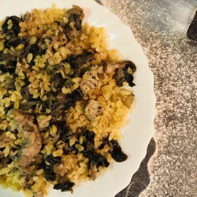 Булгур с грибами и курицей - рецепт с фото