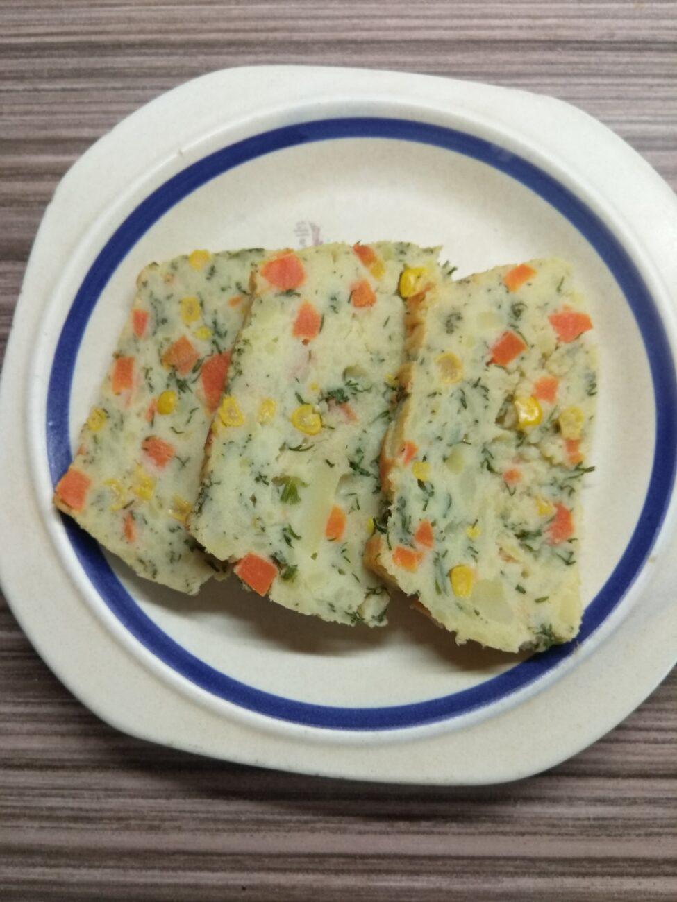 Картофельный террин с кукурузой, укропом и морковью