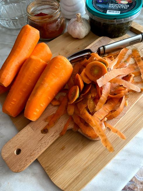 Фото рецепта - Салат с морской капустой и морковью - шаг 2