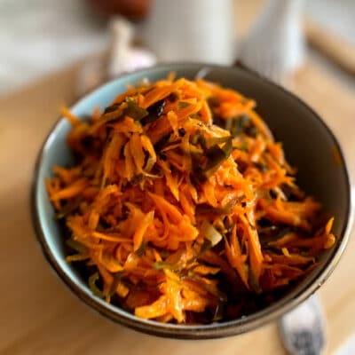 Салат с морской капустой и морковью - рецепт с фото